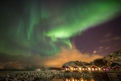 Aurora borealis in Mortsund, Lofoten, Noorwegen Royalty-vrije Stock Foto