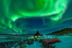 Aurora Borealis no arquipélago de Lofoten, Noruega no tempo de inverno fotografia de stock royalty free