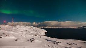 Aurora borealis sobre el mar de Barents almacen de metraje de vídeo