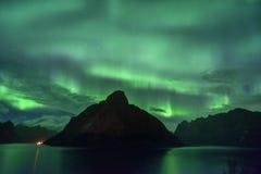 Aurora Borealis u. x28; Nord-lights& x29; von Lofoten Norwegen lizenzfreies stockbild