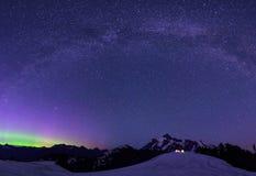 Aurora Borealis und Milchstraße vom Künstler Point Stockfotografie