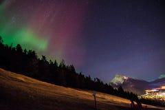 Aurora Boreals over Banff royalty-vrije stock afbeelding