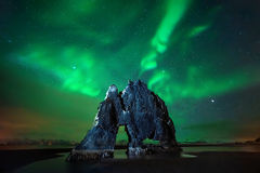 Aurora de Hvitserkur Imagem de Stock