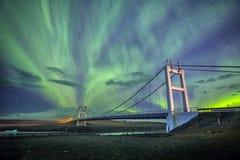 Auroral skärm över bron Island royaltyfri fotografi