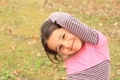 Ausübung des kleinen Mädchens Lizenzfreies Stockfoto