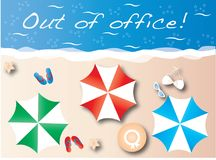 Aus Bürosommerferien-Strandtitel heraus Stockfotografie