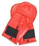 Ausbildende rote Boxhandschuhe lokalisiert auf Weiß Lizenzfreies Stockbild
