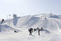 Ausbildende russische Skifahrenschule Stolitsa Stockfotografie