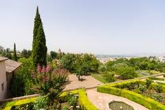 Ausblick vom Generalife zum Alhambra-Palast und zur Ansicht von t Lizenzfreie Stockfotografie
