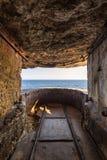 Ausblick WW2 in den Klippen von Bonifacio in Korsika Stockbild