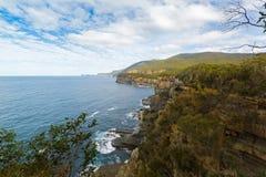 Ausblickansicht von Piraten bellen an Nationalpark Tasman, Tasmanien, stockbilder