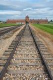Auschwitz - Birkenau järnväg linje Polen royaltyfri bild