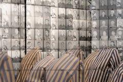 Auschwitz I - Birkenau-Gefangenfotos Stockfotografie