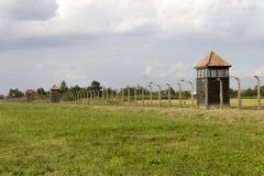 Auschwitz II - Omkrets för vakt för Birkenau utrotningläger arkivbilder