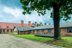 Auschwitz, Polen - Augustus 12, 2017: de gebouwen van Auschwitz-concentratiekamp stock afbeelding