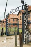 Auschwitz, Polonia - 12 de agosto de 2017: entrada al campo de concentración de Auschwitz Imagen de archivo libre de regalías