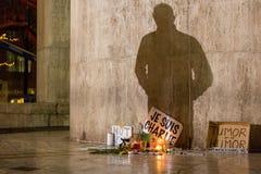 Ausdrücke von Je-suis Charlie auf der Verdammung in Amsterdam Stockfotografie