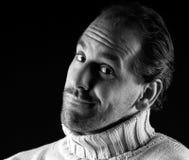 Ausdruckschwarzweiß des erwachsenen Mannportraits freundliches Stockbild