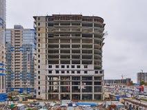 Auseinander otel Präsident uralskaya 75 im Bau Ein neues Wohngebäude auf monolithischer Rahmentechnologie im Bereich mit lizenzfreies stockbild