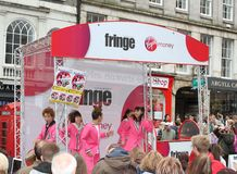 Ausführende an Edinburgh-Fransen-Festival 2014 Lizenzfreie Stockfotos