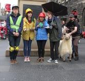 Ausführender an Edinburgh-Fransen-Festival 2014 Lizenzfreie Stockbilder