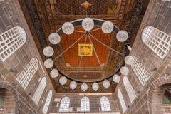 Ausführliche Innenansicht (großartiger) Moschee Ulu stockfotos
