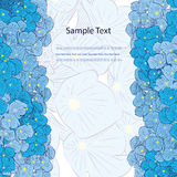 Ausführliche vektorzeichnung Blaue Blumen vertikale Grenze Stockfoto