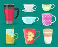Ausführlicher Grafiksatz von bunten Schalen für Kaffee und Tee, von Glas mit Löffel und von PapierKaffeetasse Flache Art Stockfoto
