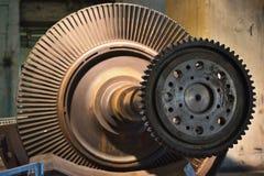 Ausführliches Bild des Rotors der Dampfturbine für Anlage des elektrischen Stroms der Kohle Stockfotografie