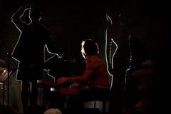 Ausführung Rita-Redshoes Phasen bei Teatro São Luiz lizenzfreie stockbilder