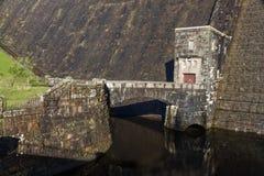 Ausfluß der Verdammung des Claerwen-Reservoirs Lizenzfreies Stockbild