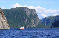 Ausflug-Boot auf westlichem Bach-Teich Stockbilder