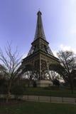 Ausflug Eiffel von unterhalb Stockbilder
