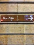 Ausflug-Eiffelturm-Zeichen Stockfotos