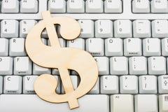 Ausgaben-Geld Online Stockfotografie