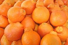 Ausgangsmaske der Orangen an einem Landwirtmarkt Stockfoto