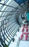 Ausgangund Halle im Flughafen, Bangkok Stockbild