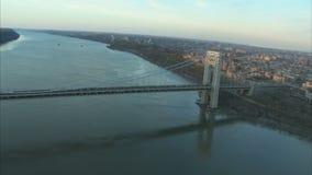 Ausgedehnte Ansicht von George- Washingtonbrücke stock footage