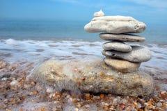 Ausgeglichene Steine stockfotos