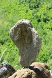 Ausgeglichene Steine nähern sich dem Kaukasus-Berg Stockfoto