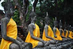 Ausgerichtete Buddha-Statuen Thailand Lizenzfreies Stockfoto