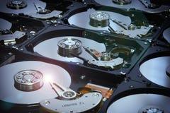 Ausgerichtete offene Festplatten-Computer-Antriebe Lizenzfreies Stockbild