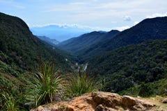 Ausgezeichnete Ansicht von der Spitze des Berges Lizenzfreie Stockfotos