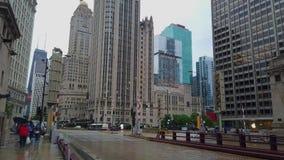 Ausgezeichnete Meile Chicagos mit seinen hohen Aufstiegsgebäuden - CHICAGO, USA - 12. JUNI 2019 stock video footage