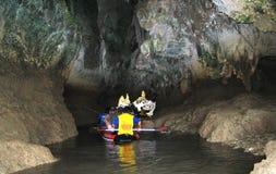 Aushöhlen mit Kanu Lizenzfreies Stockfoto