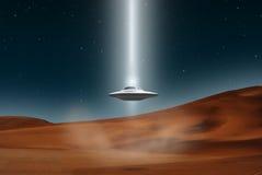 Ausländische Flugzeug-UFO-Landungwüste Stockfoto