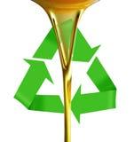 Auslaufendes Schmieröl oder goldene Flüssigkeit. Stockfoto