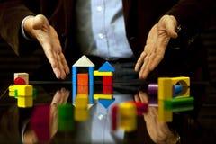 Auslegung zeigen, Rat, Grundbesitz, Sachkenntnis Stockbild