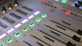 Ausrüstung für Audio- und Klangverstärker stock video