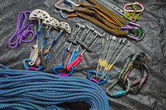 Ausrüstung für Bergsteigen und Klettern Stockfotos